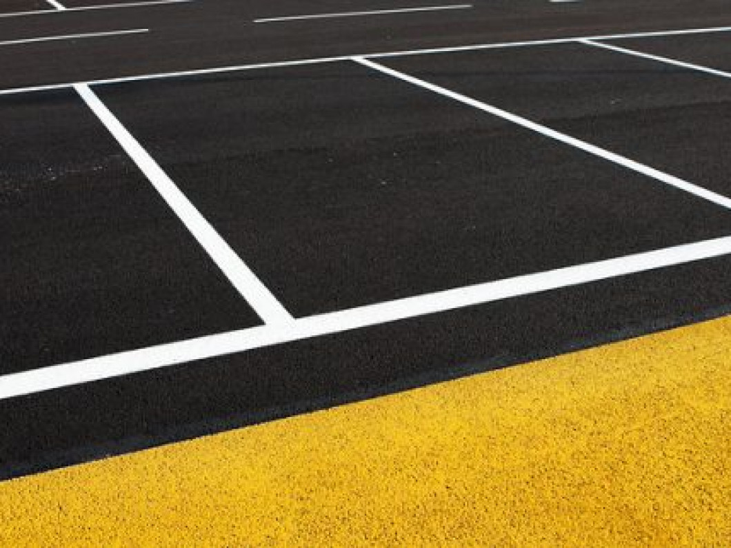 Get Outstanding Parking Lot Pressure Washing for Your Business